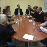 la-europarlamentaria-de-iu-paloma-lopez-en-un-encuentro-reciente-con-miembros-de-opp51