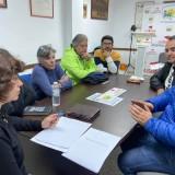 la-diputada-de-iu-carmen-alvarez-con-representantes-del-sector-del-taxi-en-sanlucar-de-barrameda